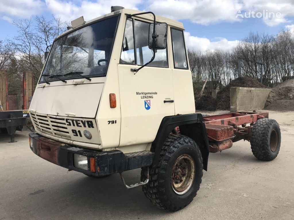грузовик шасси STEYR 791 4x4 **MANUAL PUMP-AUSTRIAN TRUCK**