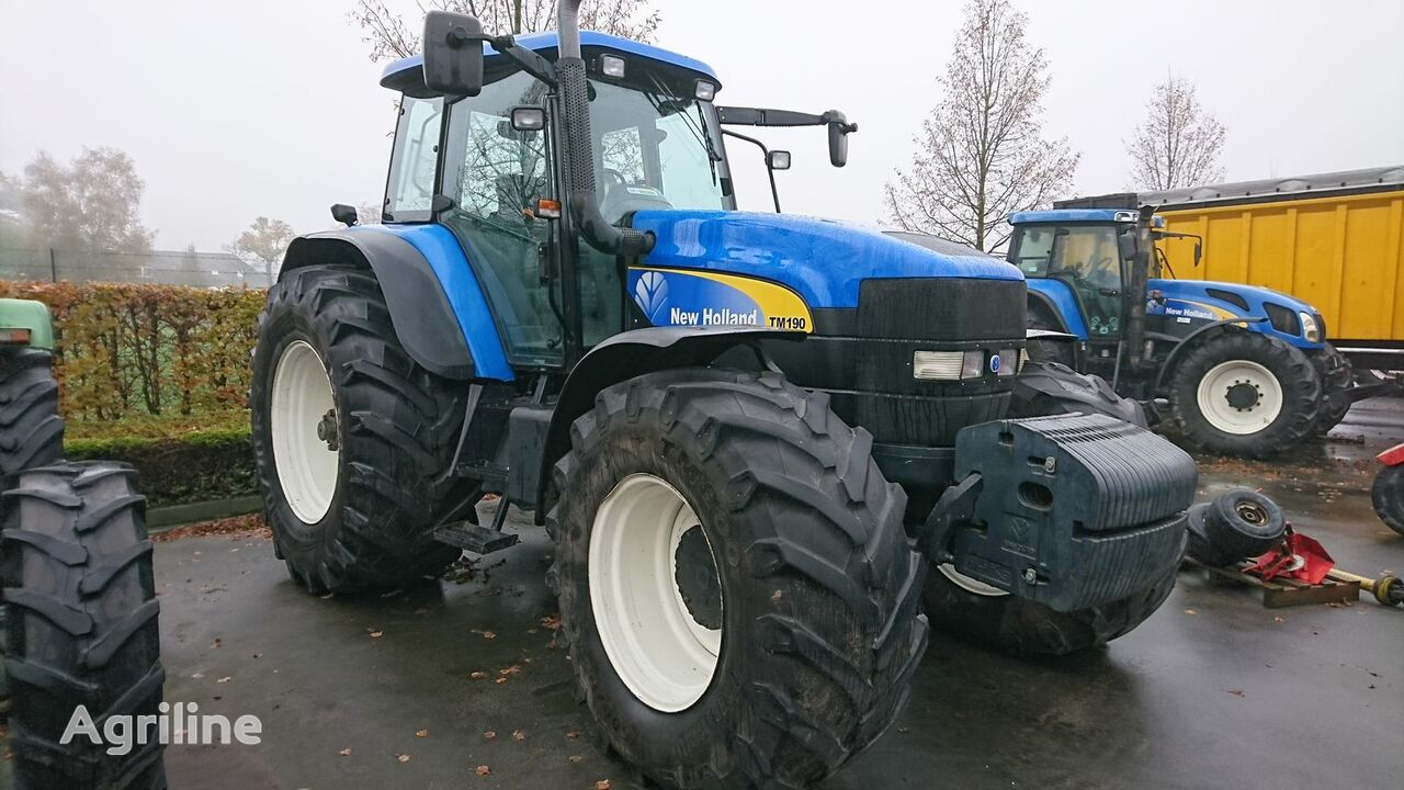 трактор колесный NEW HOLLAND TM190